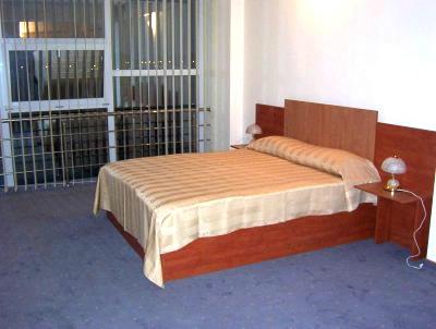 hotel confort otopenijpg