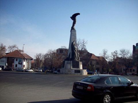 monumento-bucarest.jpg